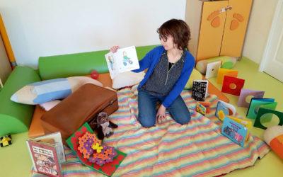 Atelier autour du livre dans nos crèches avec l'intervenante Delphine
